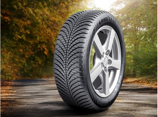 Goodyear vector 4 seasons gen-2 215/50 R17